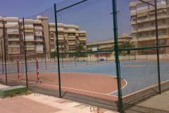 Boldbane og tennisbanerne til lejligheden
